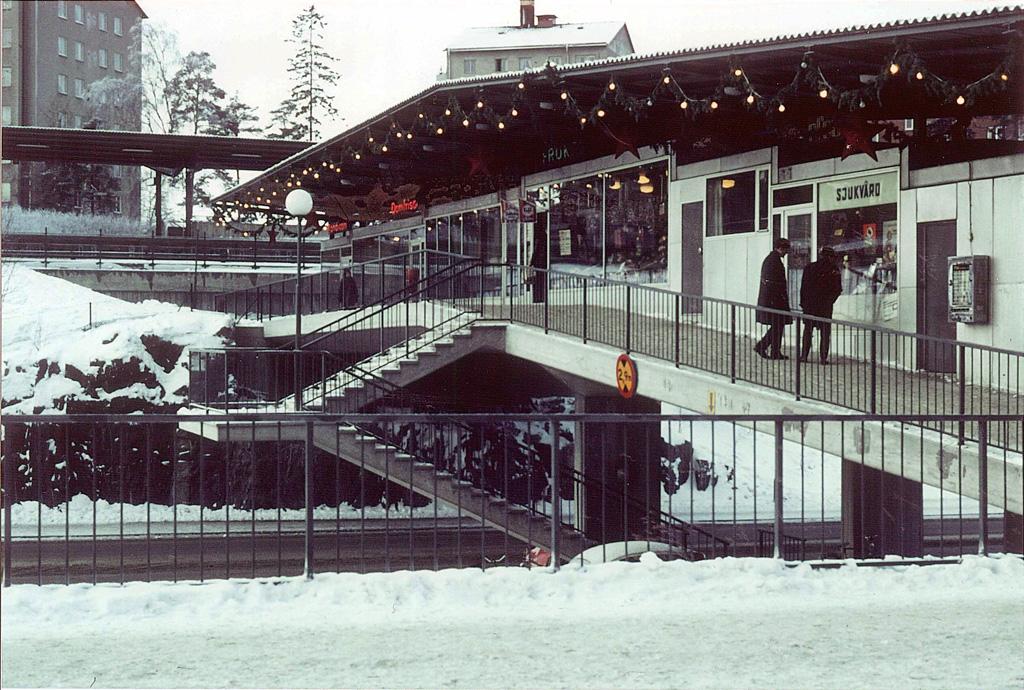 Björkhagens centrum vid tunnelbanan på 1960-talet